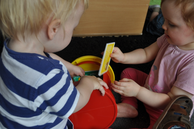 Playing together with the post box