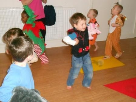 Safari animals dancing at Daisykins nursery
